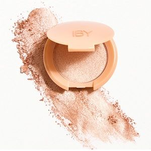 Radiant Glow Highlighter in Prosecco by IBY
